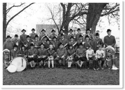 Das Blasorchester in neuer Tracht 1972