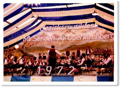 Bezirksmusikfest 1972 in Senden. Auf der Bühne die